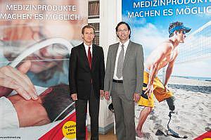 Mag. Friedrich Thomasberger (links) und <br/>Mag. Philipp Lindinger präsentieren die Kampagne