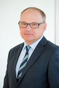 Mag. Heinz Wlzek, neuer GeschŠftsfŸhrer des …sterreichischen Apotheker-Verlages