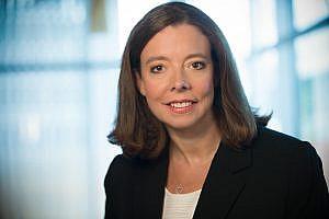 Kirsten Detrick überreicht Spende an Kinderhospiz